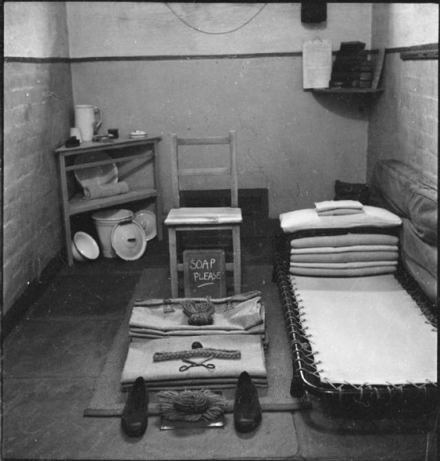 Wakefield_Training_Prison_and_Camp-_Everyday_Life_in_a_British_Prison,_Wakefield,_Yorkshire,_England,_1944_D19198